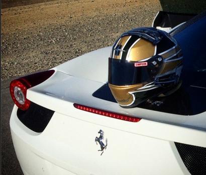 Ferrari helmet1.jpg